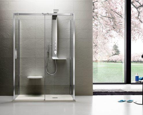Arblu_bagno_box doccia_piatto doccia_bianco_vetro trasparente_profilo cromato_porta battente_essecasa