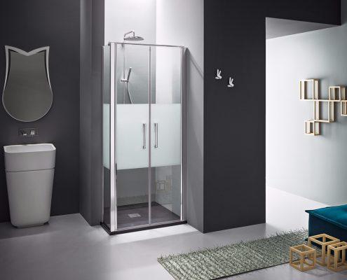 Arblu_bagno_box doccia_piatto doccia_nicchia_vetro trasparente_profilo cromato_porta battente_essecasa